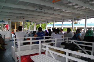 maldives_airport_ferry