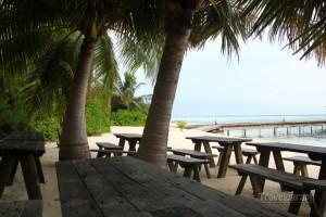 picnic_island_maldives_dining _area